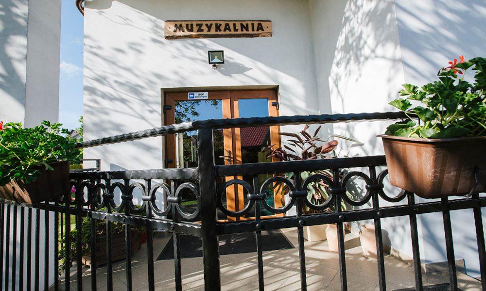 villa astrid jastarnia dla dzieci wejscie do muzykalni